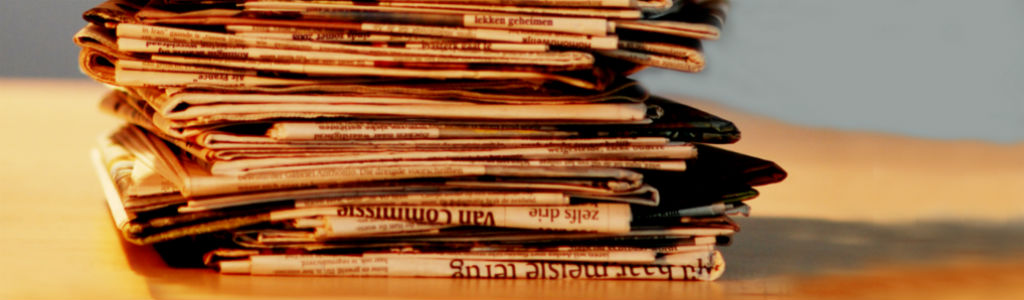 Stapel kranten. Nieuws en informatie van en over OKO.